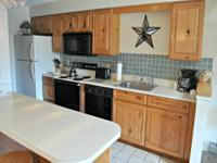 Gorgeous 2 bed/2 bath(plus jacuzzi) townhouse in Nordic
