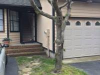 Fabulous 2 bed rooms, 2.5 bath townhouse w / garage on