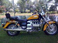 2000 Honda Valkyrie, Mint condition. Yellow/Black rare