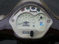 Pre-owned 2011 Vespa LX 150ie, fuel injected 150cc,