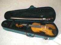 3/4 size violin in excellent condition comes with bow