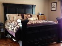 Gorgeous modern Black Column King Size Bedroom Suit.