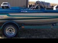 Nice 1994 Stratos Bass Boat with 94 115 HORSEPOWER