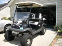 Selling my 2007 club car golf cart. New batteries &