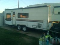 1984 28ft Alpen Lite fifth Wheel. Includes Microwave,