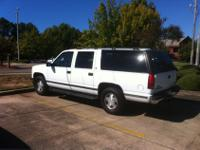 Great Truck. 1999 GMC Suburban SLT in great running