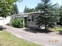 Clean 3 bdrm/1 bath 14x70 mobile home on nice fenced