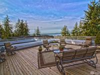 Ideal Houghton Location and luxurious lifestyle await