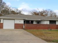 Come take a look at this cute Lake Jackson home in an