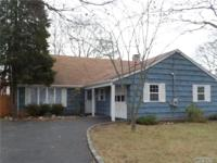 Large Farm Ranch With 8 Rooms, 5 Beds And 2 Bath.
