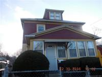 Close to bus stops, minutes from down town hartford.