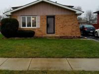Well maintained split level home that requires minimum