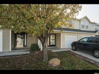 Beautiful, clean 3 bedroom 1.5 bathroom townhouse in a
