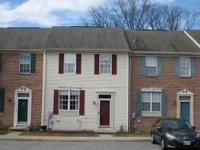 Welcome home! Come see this 3 bedroom townhouse