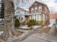 Detached Colonial In Prime Auburndale/Flushing With
