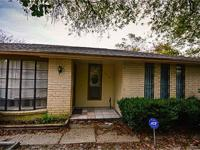 Beautiful 1 Story home w/ covered patio. Ktn remodeled