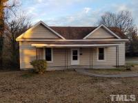 Great starter home or rental property investment. 3BR,