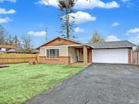 Like new 3Bd/1.5Ba rambler on .17 acre lot in the heart