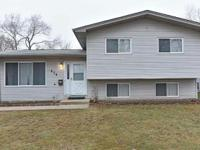 Clean & well maintained 3bedroom & 1 1/2 bathroom