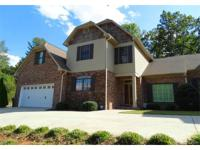 Stunning 2 story townhome in Moores Ferry! Warm &