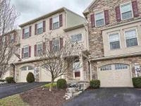 Luxury Townhouse in desirable Winding Hills. Excellent
