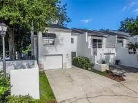 Modern chic 3br/2.5ba/1cg townhome-style condo just