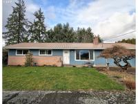 This solid 1965 3/2 1335 sq. Ft. Ranch style home was