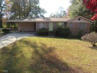 Newly remodeled 3 bed 2 bath home located in nice