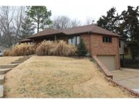 Perfect location !! near hwy 44 minutes to river chase