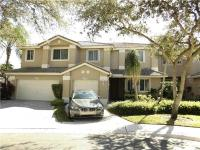 >Just reduced< upgraded townhome in golf gated