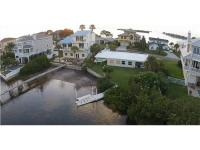 Income Producing Duplex on the Gulf of Mexico! Enjoy