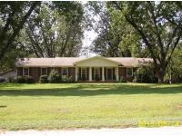 Mini horse farm situated on 5.50 acres with 32 lg pecan