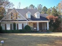 Beautiful, Well Kept home in East Newton County. Great