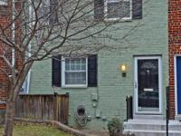 Beautifully updated townhouse in Warwick Village a