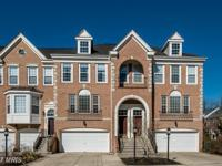 Luxurious 3-level townhome in South River Colony