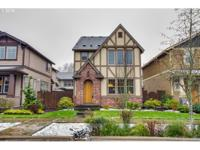 Delightful Tudor Home in Award Winning Villebois! Close
