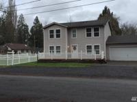Country Living with convenience Spacious home 1 block