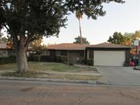 3bd/2ba with separate Liv room, Den w/fireplace (gas