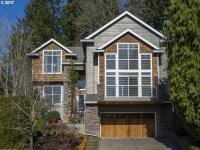 Beautiful craftsman w/modern style on 0.27 acre lot