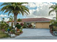 3 bedroom, 2.5 bath custom built home in lovely gulf