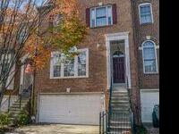 Privacy in Beautiful Townhome in the Heart of Fairfax