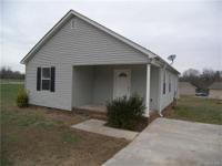1134 sq ft, 3bd/2ba, large great room, kitchen/dining