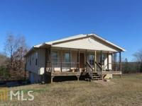 Ranch home with 3 bedrooms, 2 bathrooms with a full