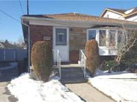 Well Maintained Brick Ranch House Located Quiet Tree