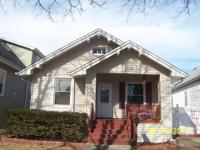 Darling Bright & Sunny 3 Bedroom 2 Bath home in great