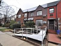 Well Sought After 20 Ft Brick Townhouse In Forest