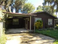 Canalfront home to lake panasoffkee!! This 3/2 home has