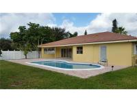 Beautiful & Spacious 3 bedroom, 2 bathroom home in the