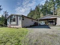 Charming & spacious 3 bed, 2 bath home on secluded acre