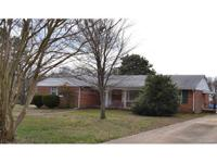 Cute Brick Rancher located close to shopping and